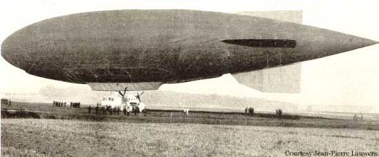 1913 онд цэргийн тагнуулын зорилгоор ашиглаж байсан дирижабль